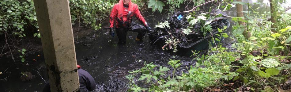 DrainsAid clean up at local reservoir